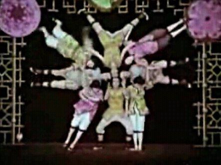 acrobats33.jpg