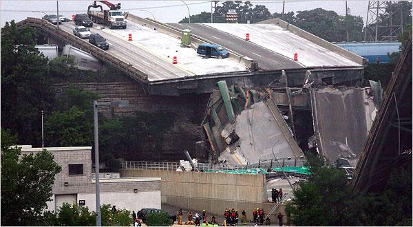 35W Bridge Collapse in Minneapolis, 8/1/2007