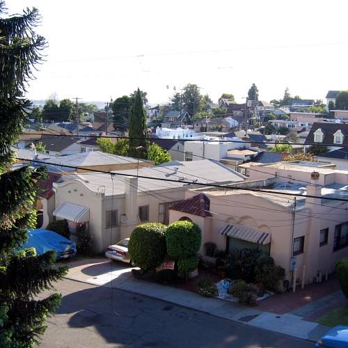 Grande Vista Avenue, just west of the Central Reservoir, Oakland, CA, June 2008
