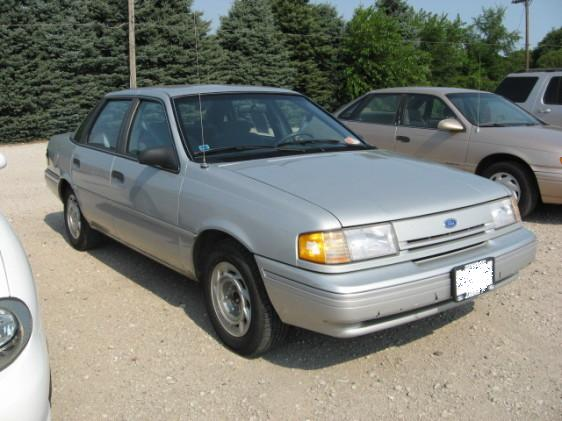 1994_Ford_Tempo_GL